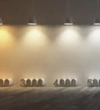 Farba svetla na svietidle je dôležitý parameter pri kúpe