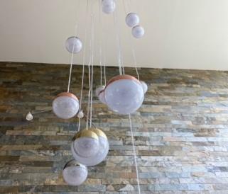 Osvetlenie na vysoké stropy: Máte doma galériu? Potom potrebujete toto