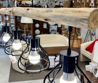 Svietidlá kombinované s drevom: Dolaďte svietidlá k nábytku